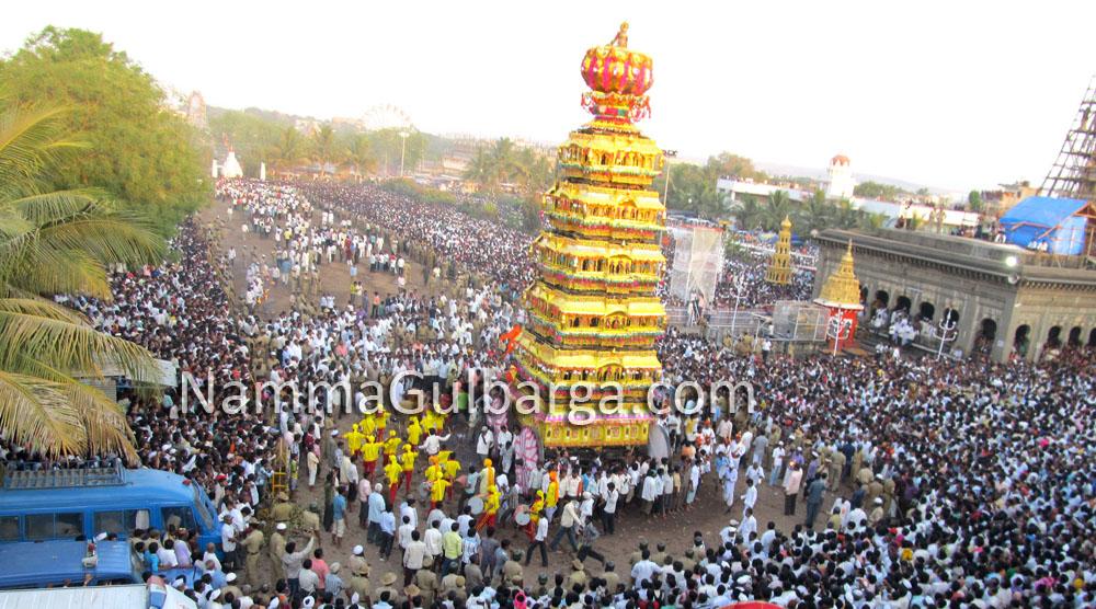 Appa jathari Gulbarga car festival Gulbarga